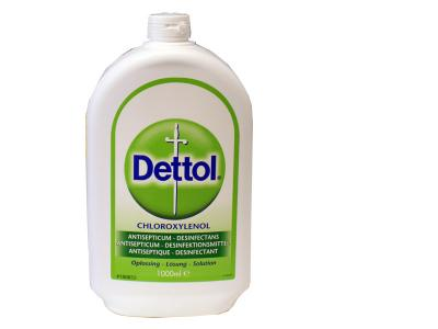 Desinfectie Dettol voor het ontsmetten van materialen en ruimten