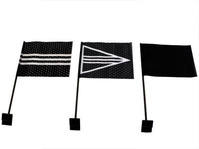 Autovlaggen of rouwvlag te gebruiken op volgauto's in een uitvaartstoet.